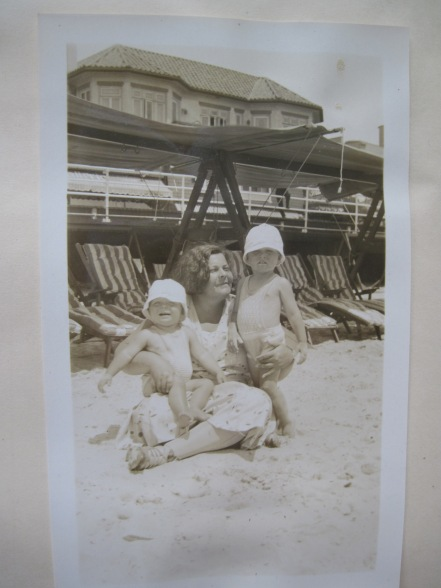 Urilda Taber with sons, Julian & James, Atlantic City